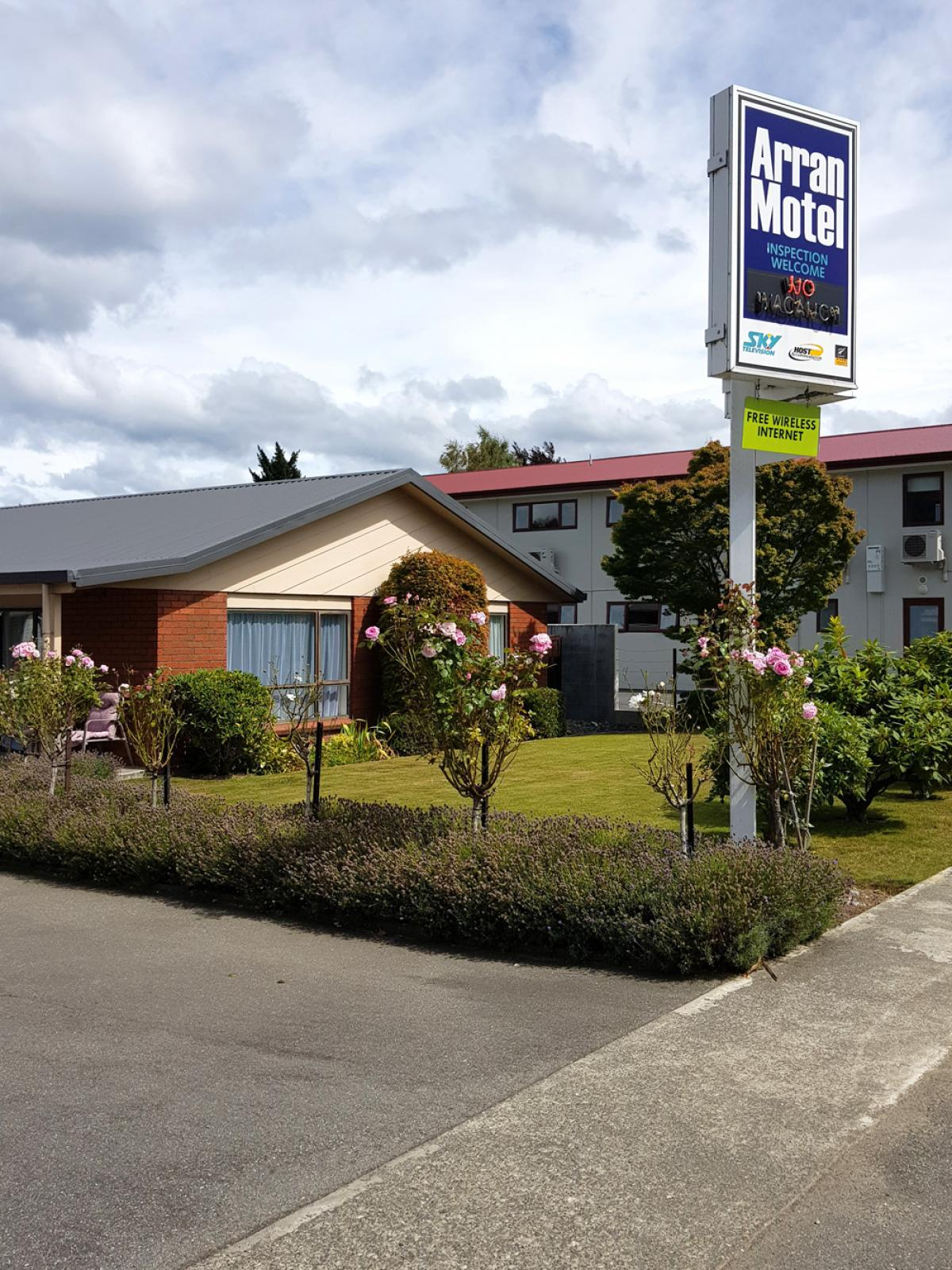 Arran Motel - 64 Quintin Drive, Te Anau, New Zealand